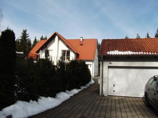 Haus mieten deining zweifamilienhaus for Zweifamilienhaus mieten